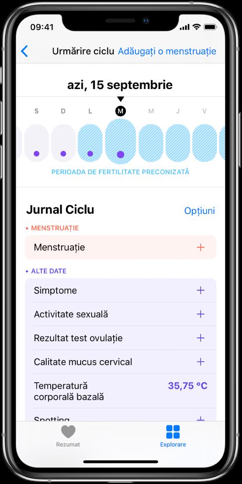 Ecranul Urmărire ciclu afișând sus cronologia pentru o săptămână. Punctele violet marchează primele patru zile din cronologie și ultimele cinci zile sunt marcate cu albastru-deschis. Sub cronologie sunt opțiunile de adăugare a informațiilor despre menstruații, simptome și altele.