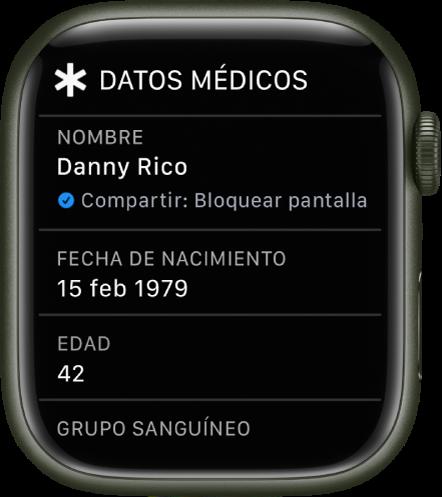 """La pantalla """"Datos médicos"""", con el nombre del usuario, la fecha de nacimiento y la edad."""