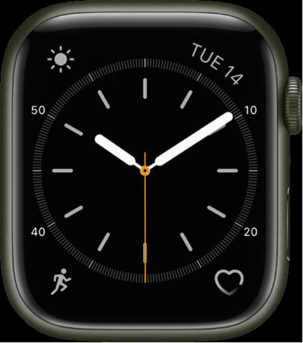 심플 시계 페이스에서 초침 색상을 조절할 수 있으며 다이얼 숫자 및 세부사항을 조절할 수 있음. 표시된 네 개의 컴플리케이션으로 왼쪽 상단에 기상 상태, 오른쪽 상단에 날짜, 왼쪽 하단에 운동, 오른쪽 하단에 심박수가 있음.