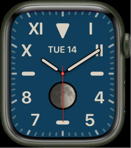 로마 숫자와 아라비아 숫자의 혼합을 보여주는 캘리포니아 시계 페이스 날짜와 문페이즈 컴플리케이션을 표시함.