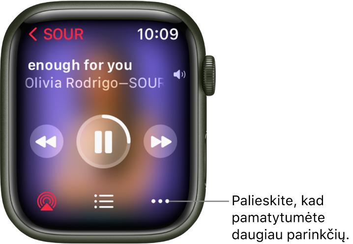 """Ekranas """"Now Playing"""" programoje """"Music"""". Albumo pavadinimas rodomas viršutiniame kairiajame kampe. Dainos pavadinimas ir atlikėjas rodomi viršuje, leidimo valdikliai viduryje, o """"AirPlay"""", garso takelių sąrašo ir """"Options"""" mygtukai– apačioje."""