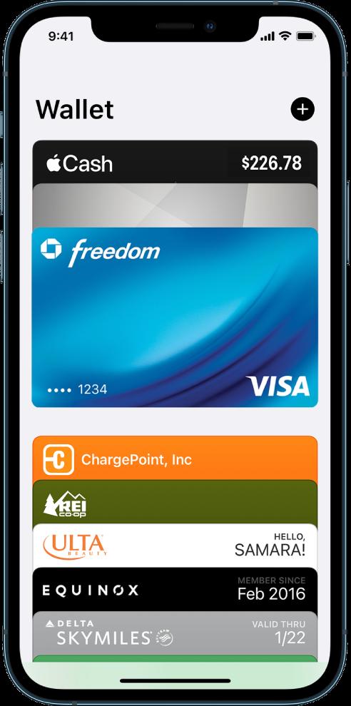 Екранът на Wallet (Портфейл), показващ горния край на няколко кредитни и дебитни карти и пропуски.