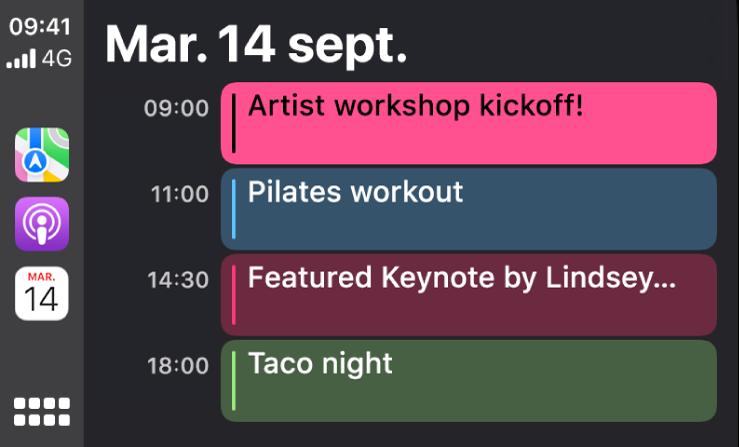 Un écran de calendrier dans CarPlay montrant 4évènements pour le mardi 15septembre.